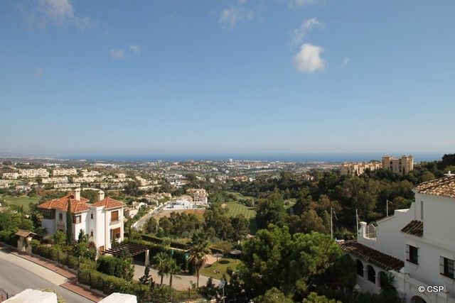 Three Bedroom Apartment for Sale in Benahavís, Malaga, Spain