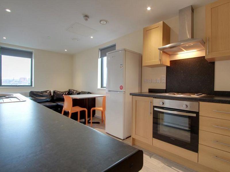 Metro Apartments kitchen 01