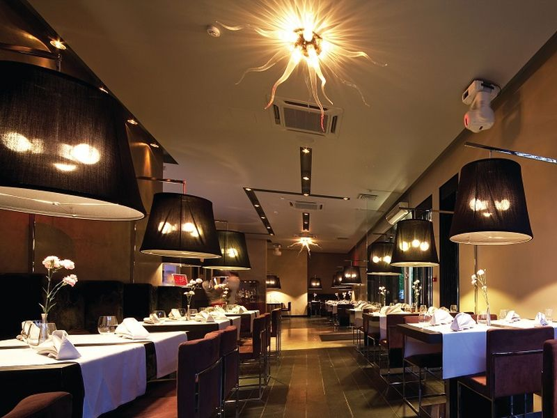 restaurant 1 min