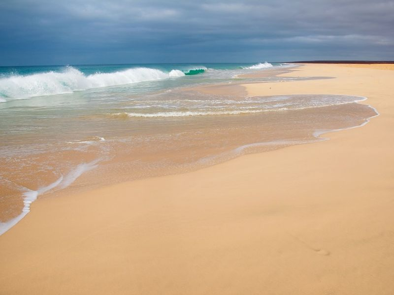 santa monica beach min