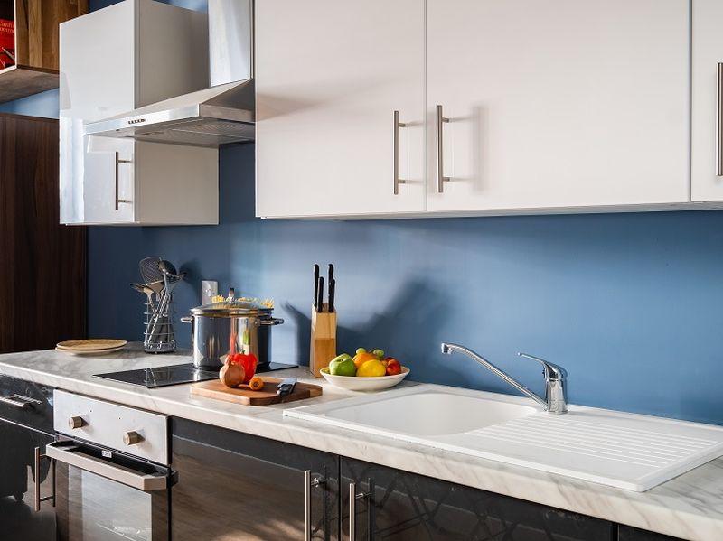 granite house show apartment kitchen