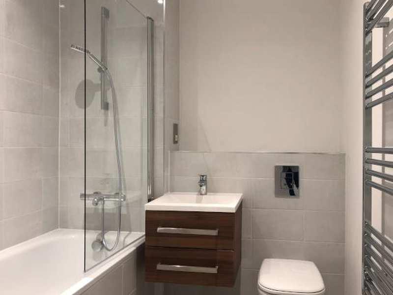 tennant street lofts bathroom